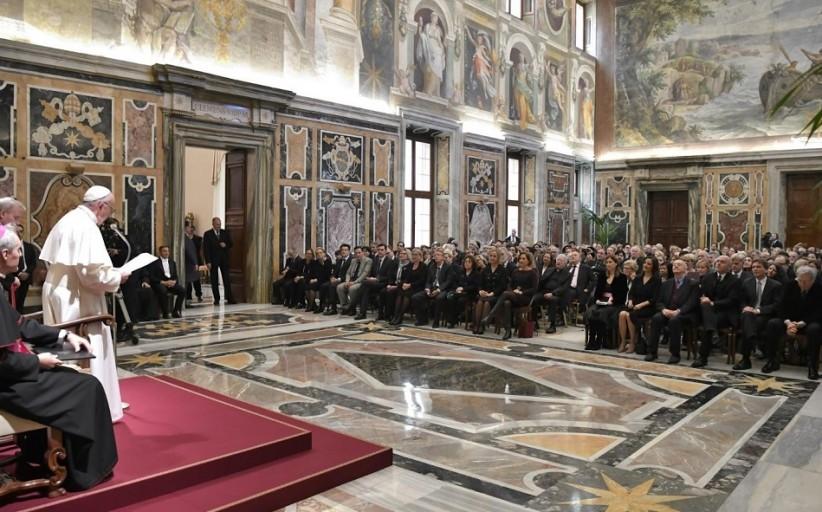 رهبر کاتولیک های جهان از مطبوعات خواست صدای قربانیان باشند