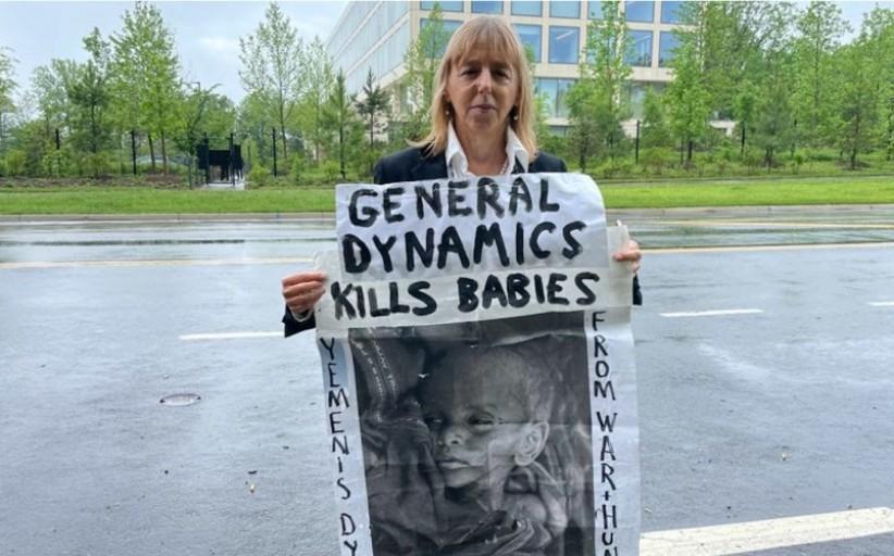 کمک به جنگی که هر 75 ثانیه یک کودک کشته می شود اخلاقی نیست
