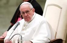 پاپ فرانسیس: اینکه ما از صلح صحبت کنیم و برای برقراری آن مذاکره کنیم و در عین حال تجارت اسلحه را گسترش دهیم، تناقضی پوچ است