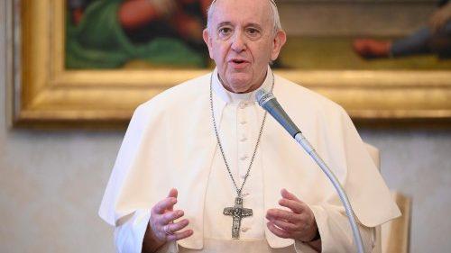 درخواست پاپ از سیاسون و نظامیان برای حل بحران لیبی
